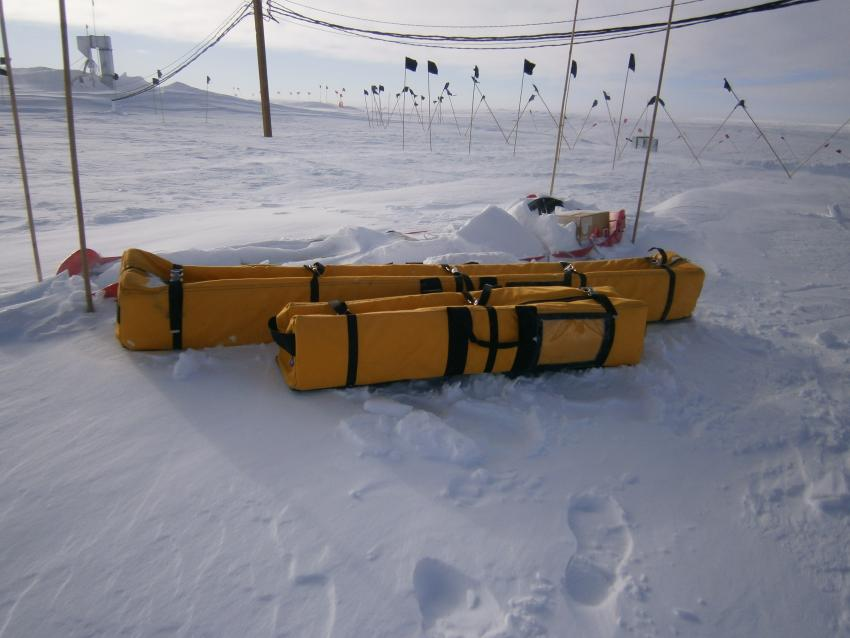 IDDO hand auger kits at WAIS Divide, Antarctica