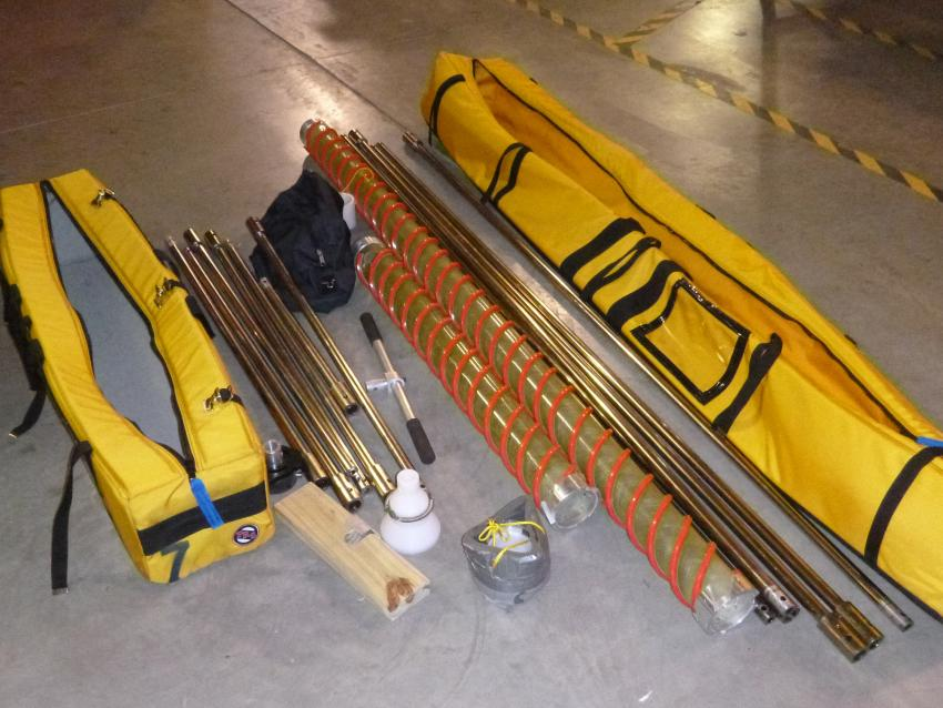 IDDO hand auger kit contents
