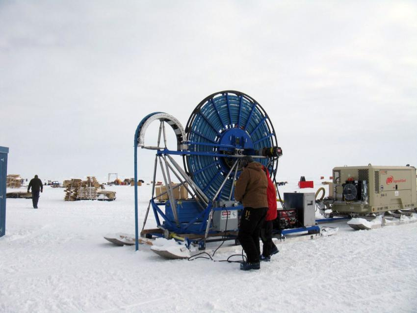 Driller Mike Jayred operates the RAM Drill during the 2009-2010 Antarctic field season to quickly produce shot holes for seismic investigations