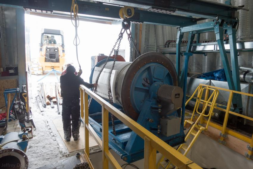 The DISC Drill winch is lifted out of the winch pit
